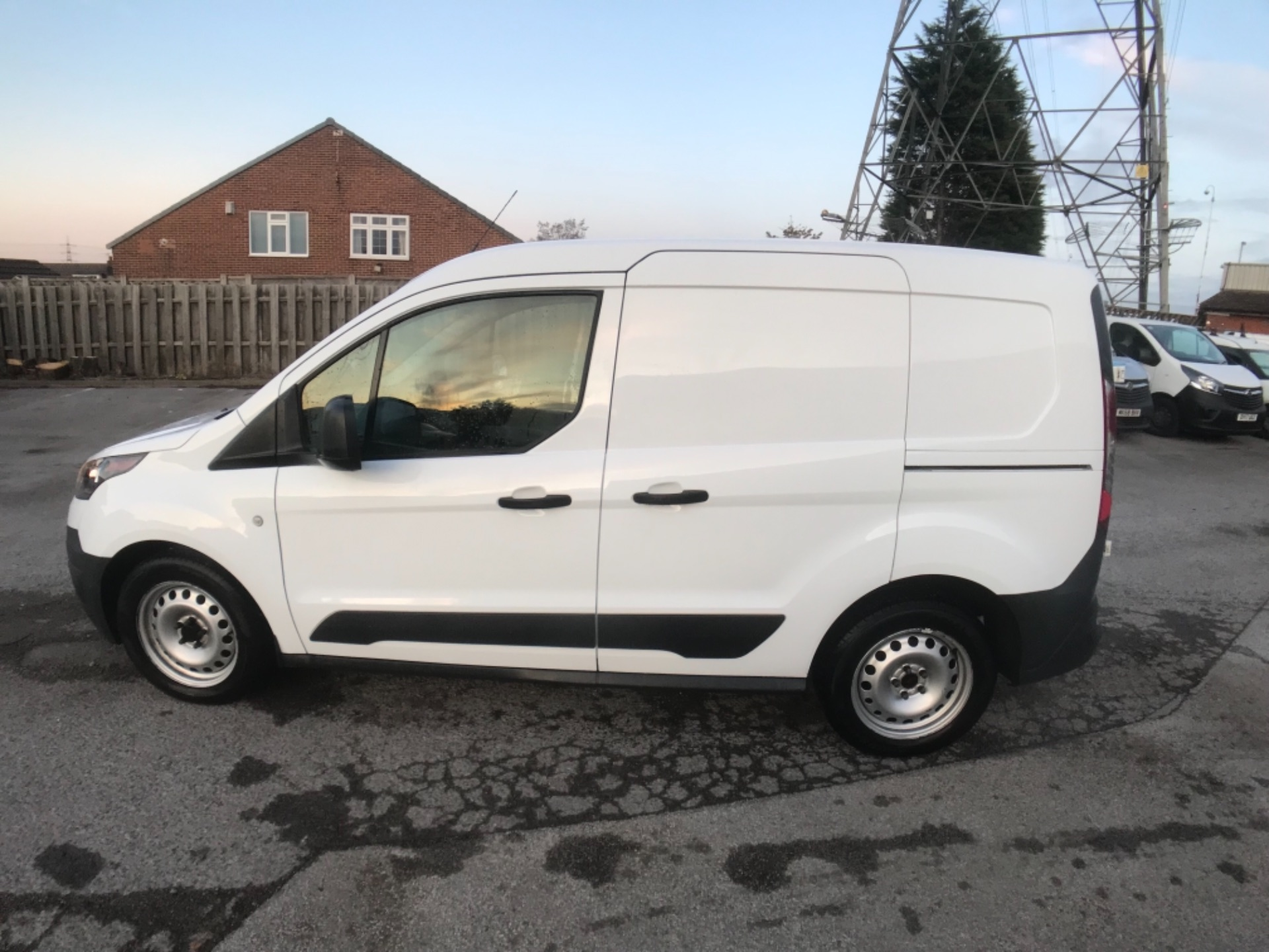 2016 Ford Transit Connect 220 1.5 Tdci 75Ps Van Euro 6 (FH16KRV) Image 4