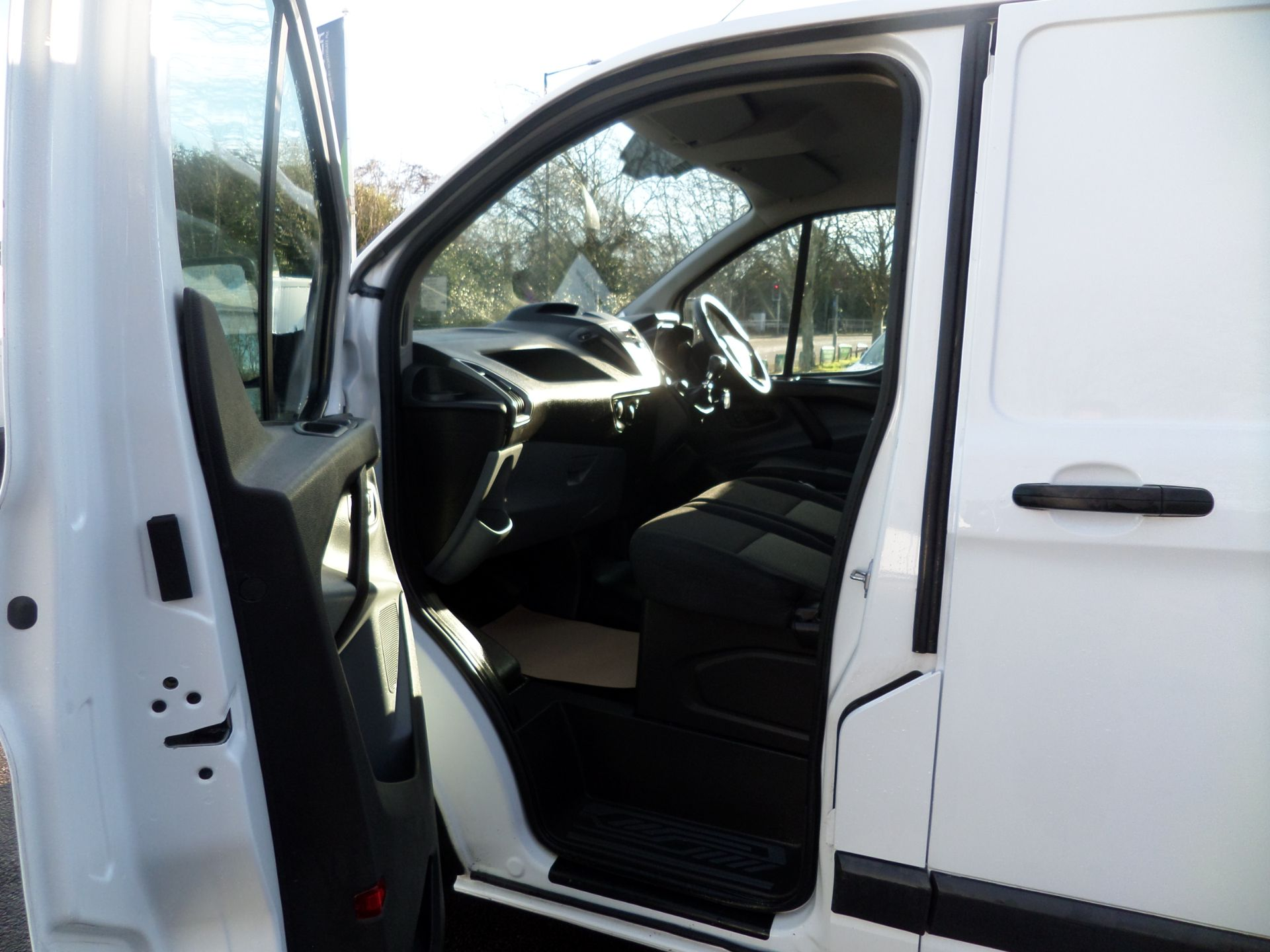 2017 Ford Transit Custom 2.0 Tdci 105Ps Low Roof Van Euro 6 (FH17PVE) Image 7