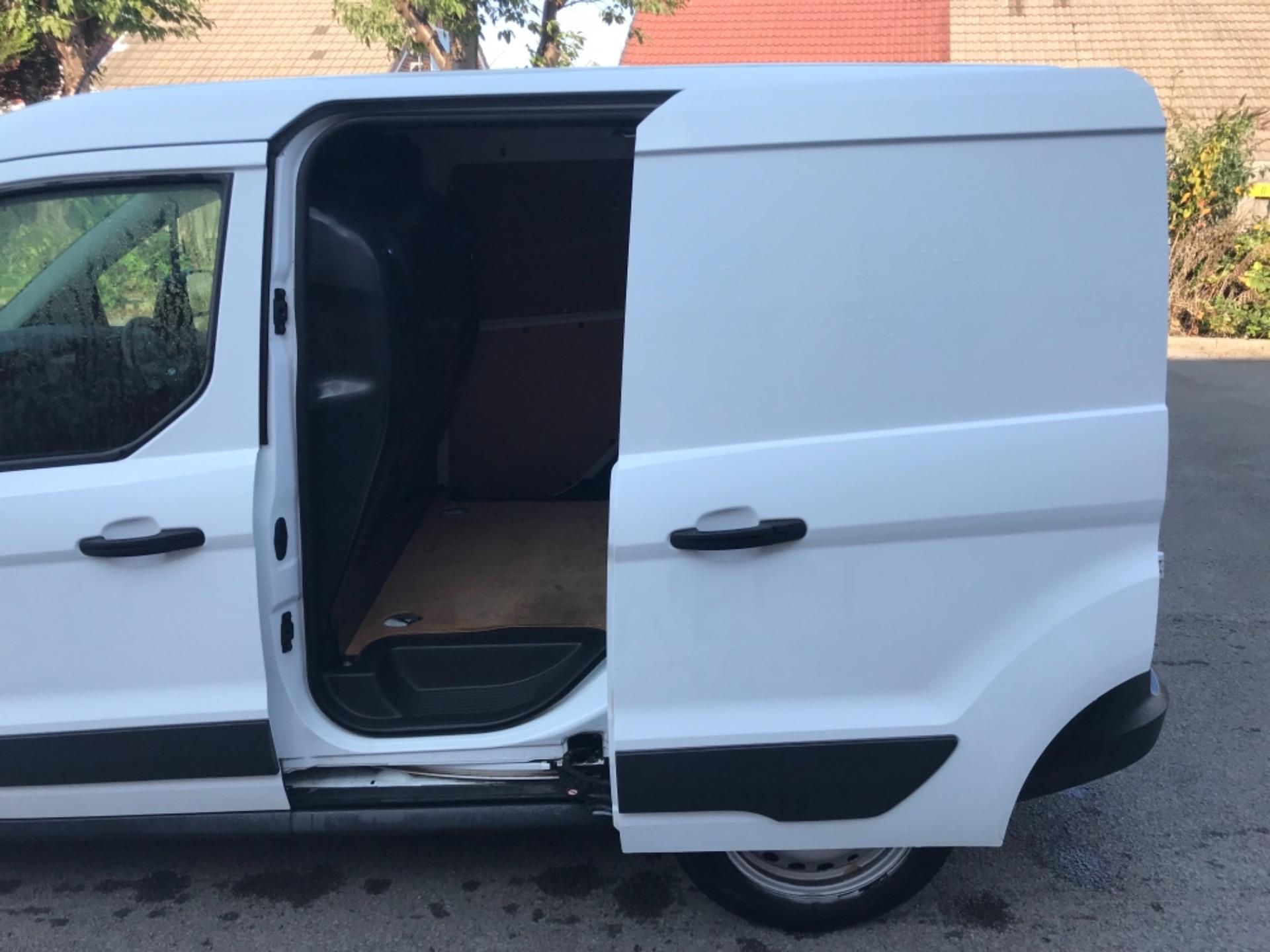 2017 Ford Transit Connect 1.5 Tdci 75Ps Van (FH17RDZ) Image 27