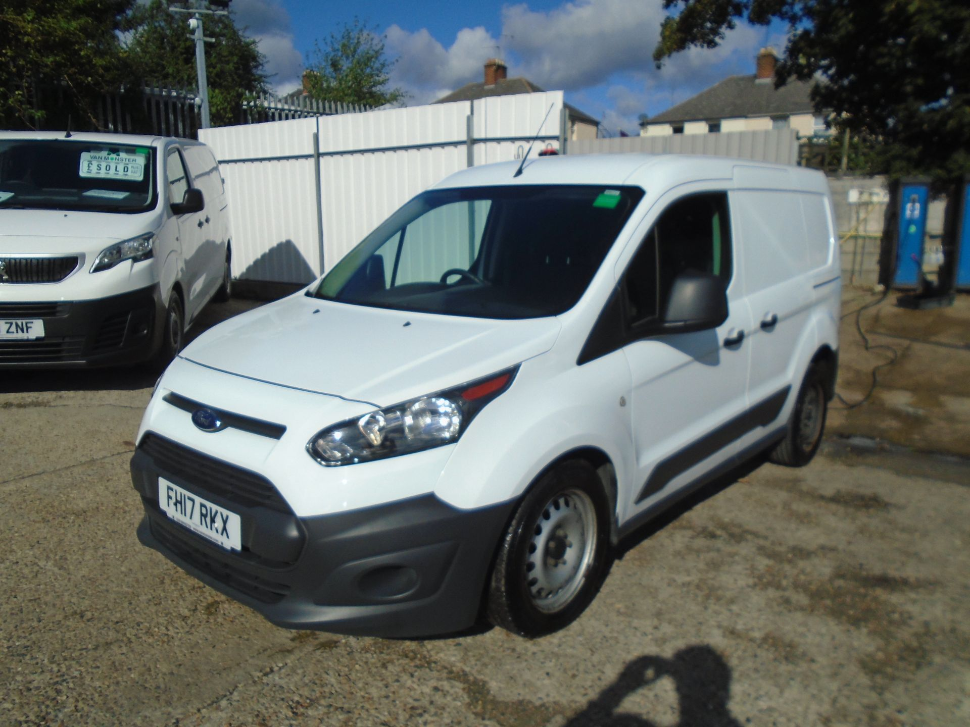 2017 Ford Transit Connect 1.5 Tdci 75Ps Van (FH17RKX) Image 3