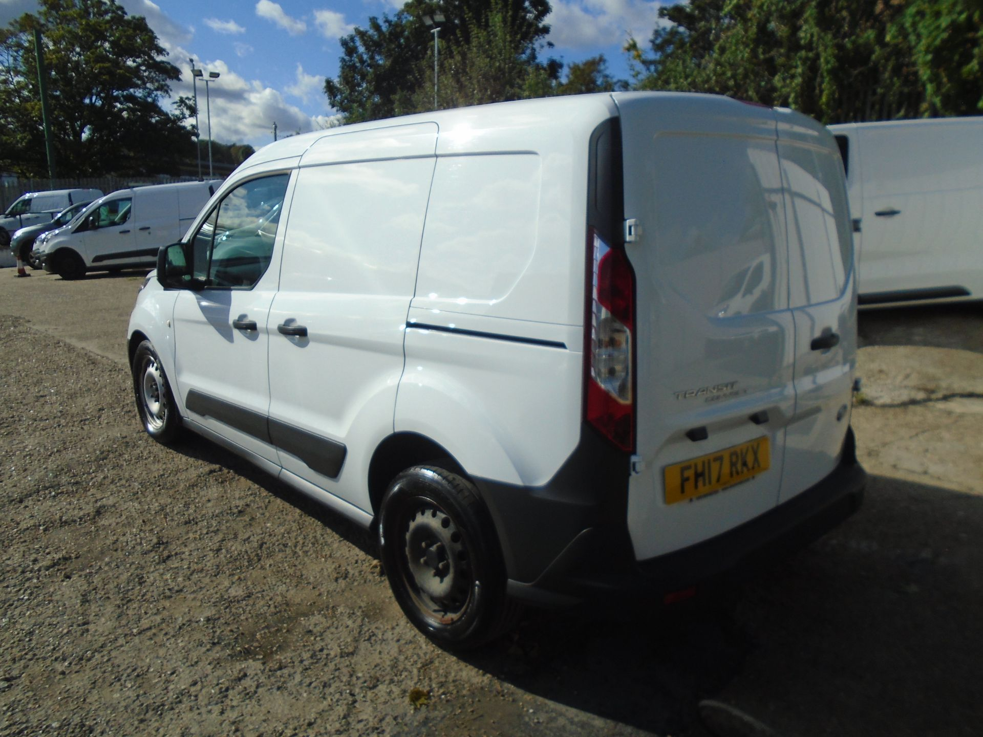 2017 Ford Transit Connect 1.5 Tdci 75Ps Van (FH17RKX) Image 5