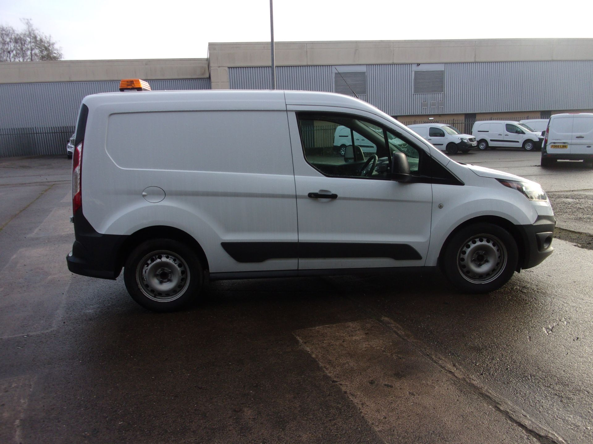 2017 Ford Transit Connect 200 L1 DIESEL 1.5 TDCI 75PS VAN  (FH17ULW) Image 8