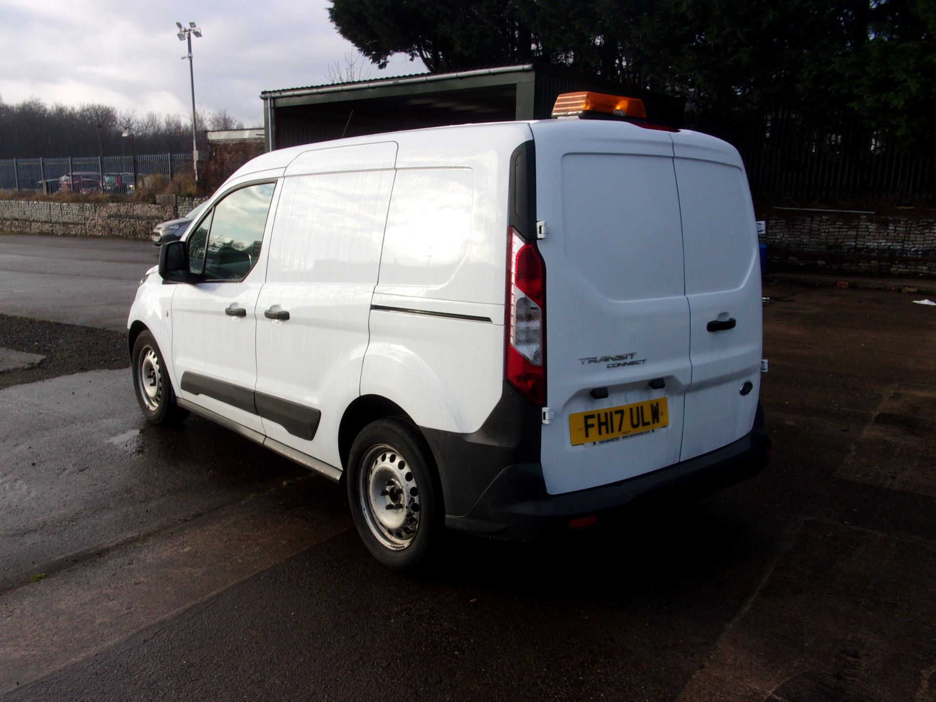 2017 Ford Transit Connect 200 L1 DIESEL 1.5 TDCI 75PS VAN  (FH17ULW) Image 11