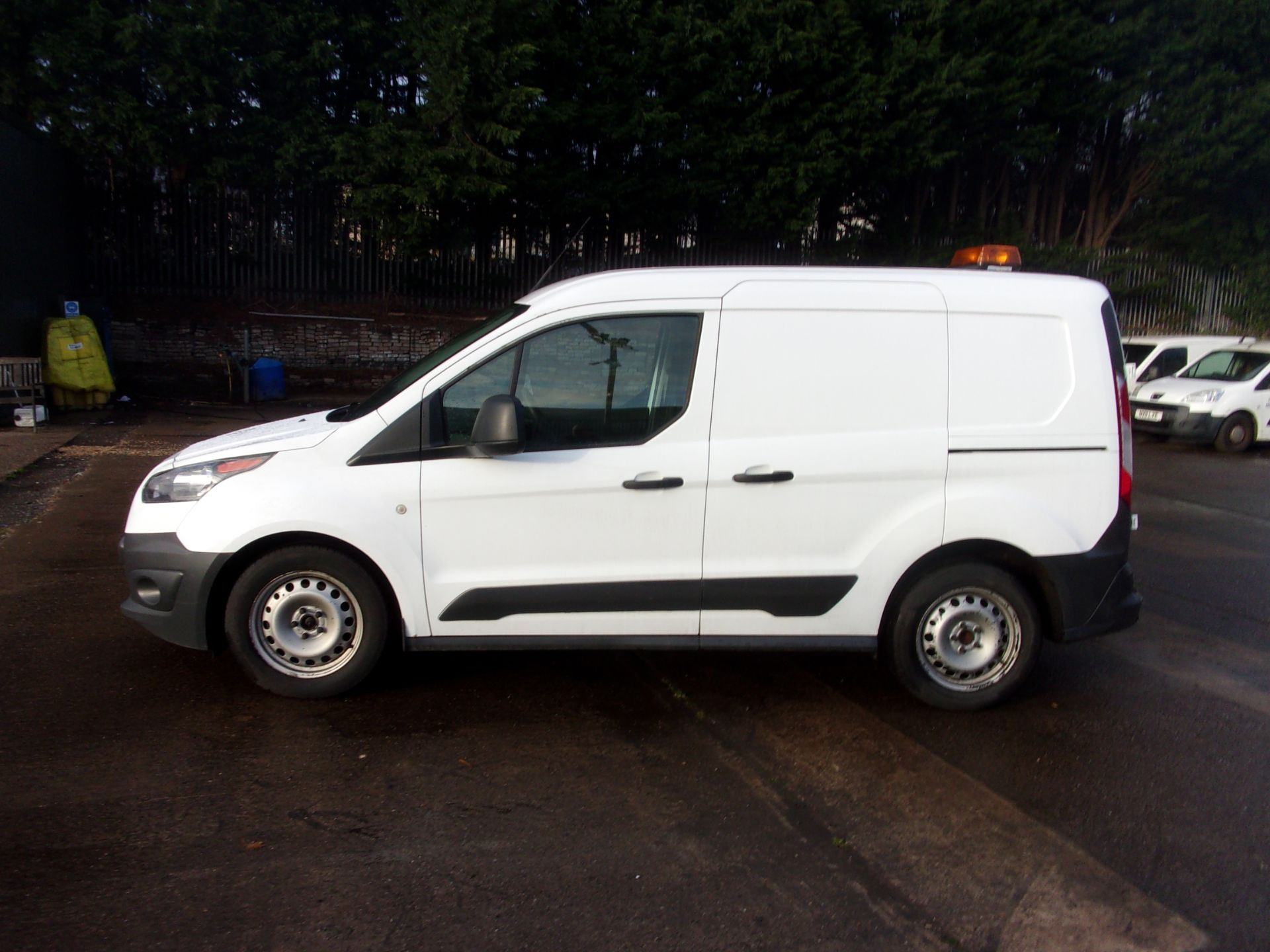 2017 Ford Transit Connect 200 L1 DIESEL 1.5 TDCI 75PS VAN  (FH17ULW) Image 12