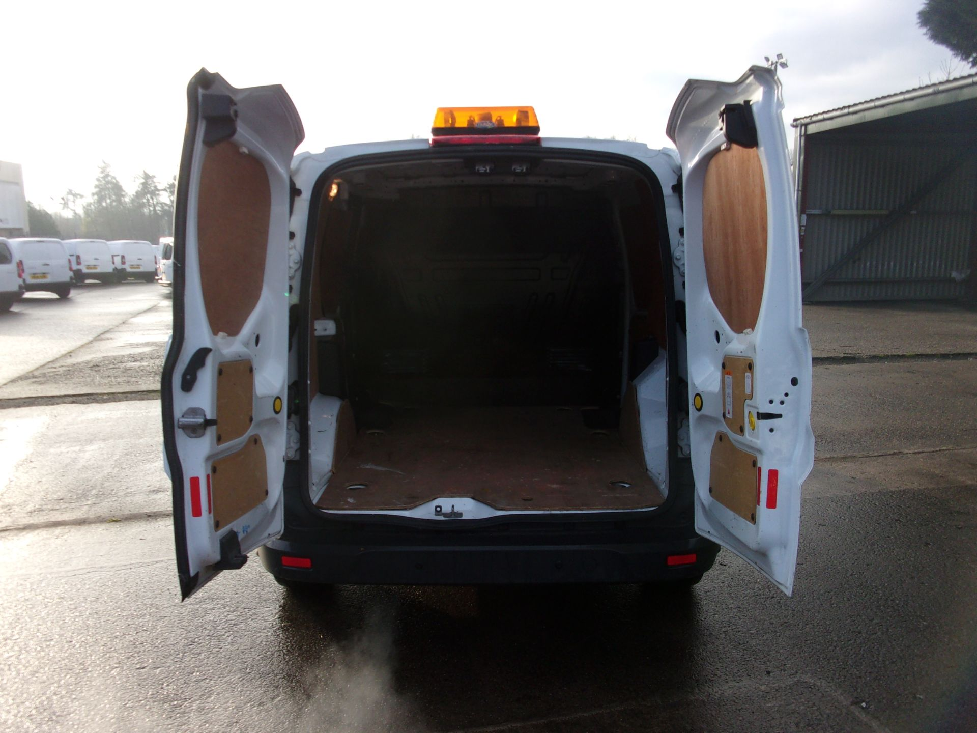 2017 Ford Transit Connect 200 L1 DIESEL 1.5 TDCI 75PS VAN  (FH17ULW) Image 18