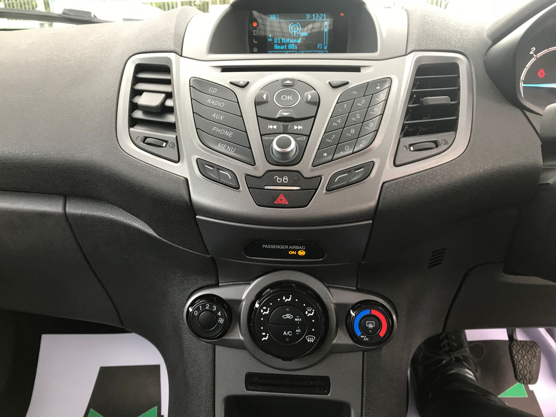 2017 Ford Fiesta DIESEL 1.5 TDCI VAN EURO 5 (FH17UOK) Image 18