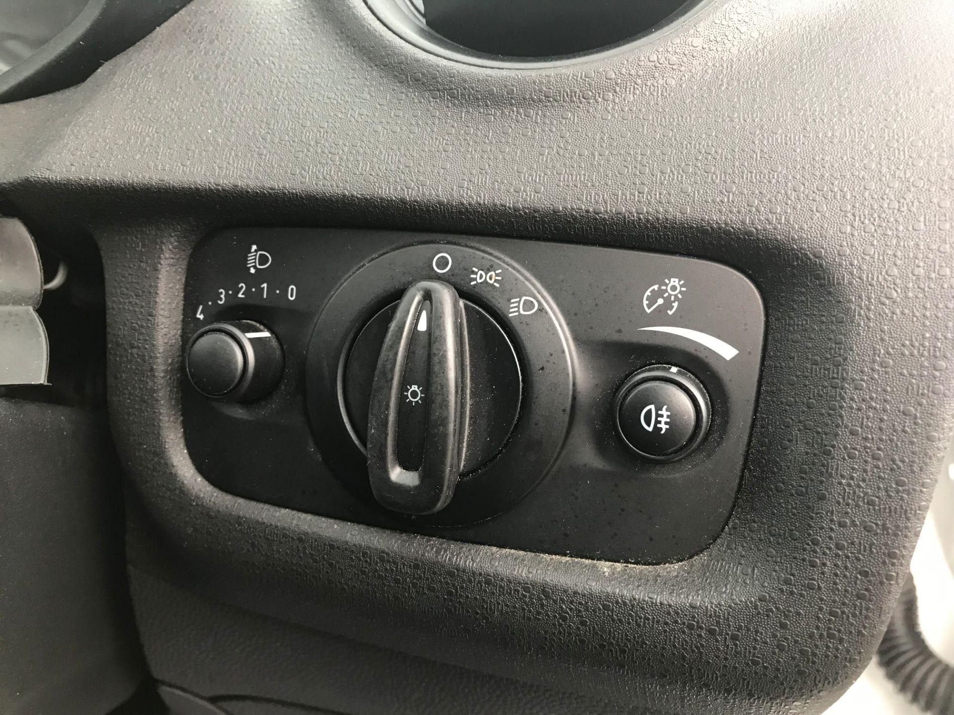 2017 Ford Fiesta DIESEL 1.5 TDCI VAN EURO 5 (FH17UOK) Image 16