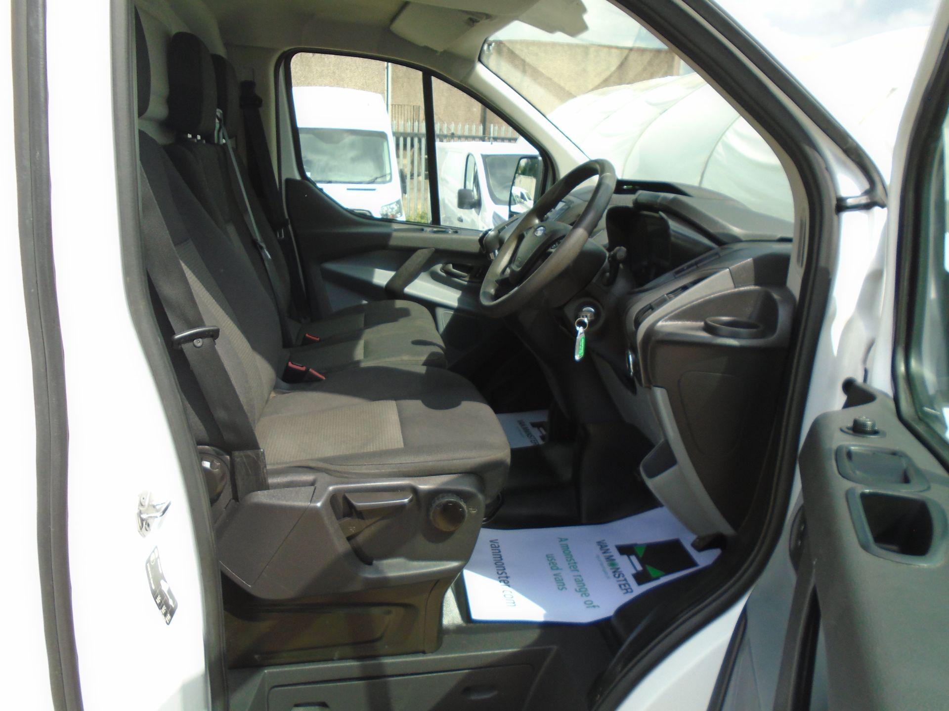 2017 Ford Transit Custom 2.0 Tdci 130Ps Low Roof Van *EURO 6* (FH17UTV) Image 16