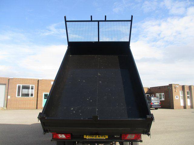 2015 Ford Transit 350 L2 SINGLE CAB TIPPER 125PS EURO 5 (FH65DVL) Image 17