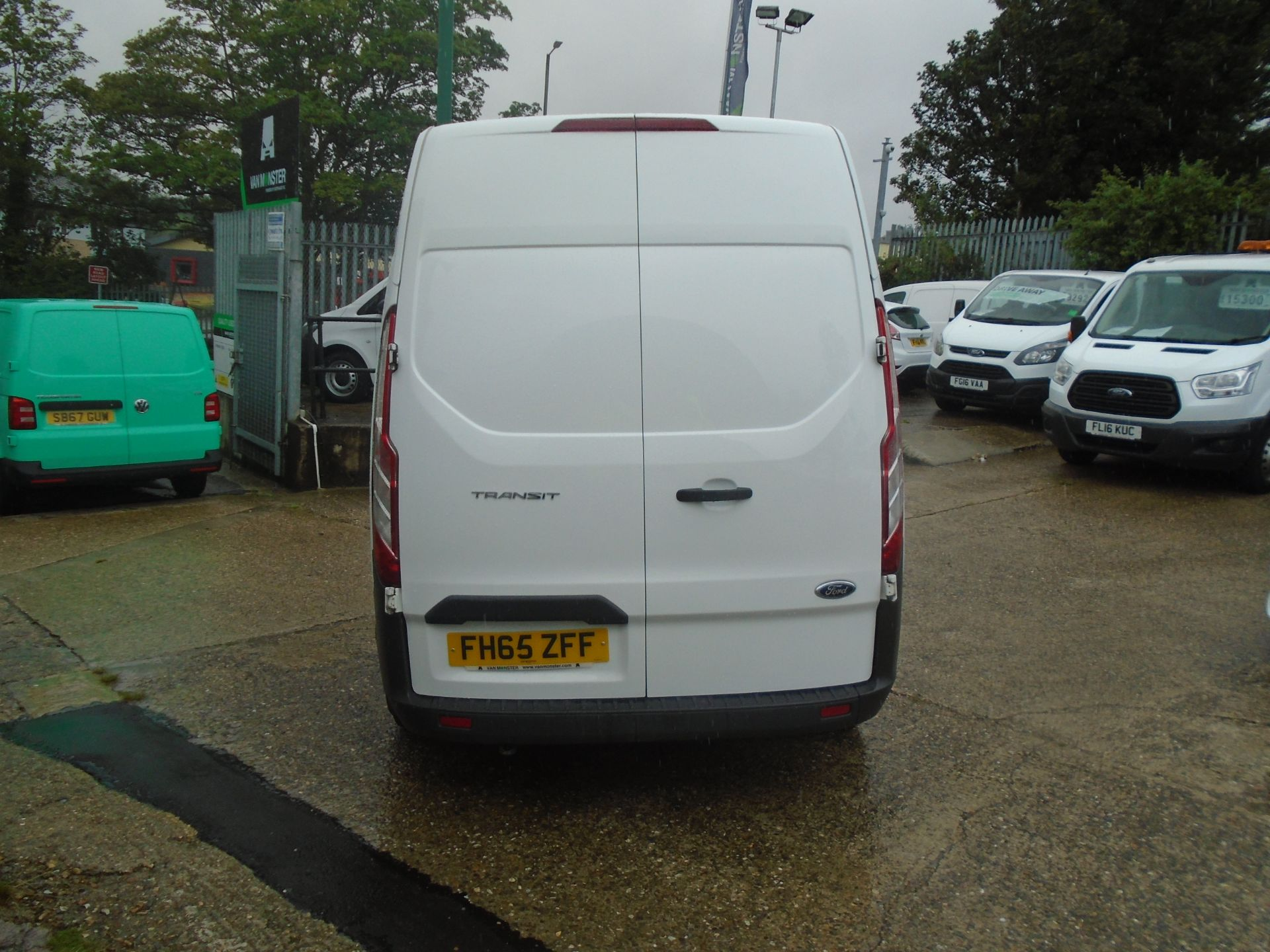 2015 Ford Transit Custom 2.2 Tdci 100Ps High Roof Van (FH65ZFF) Image 8