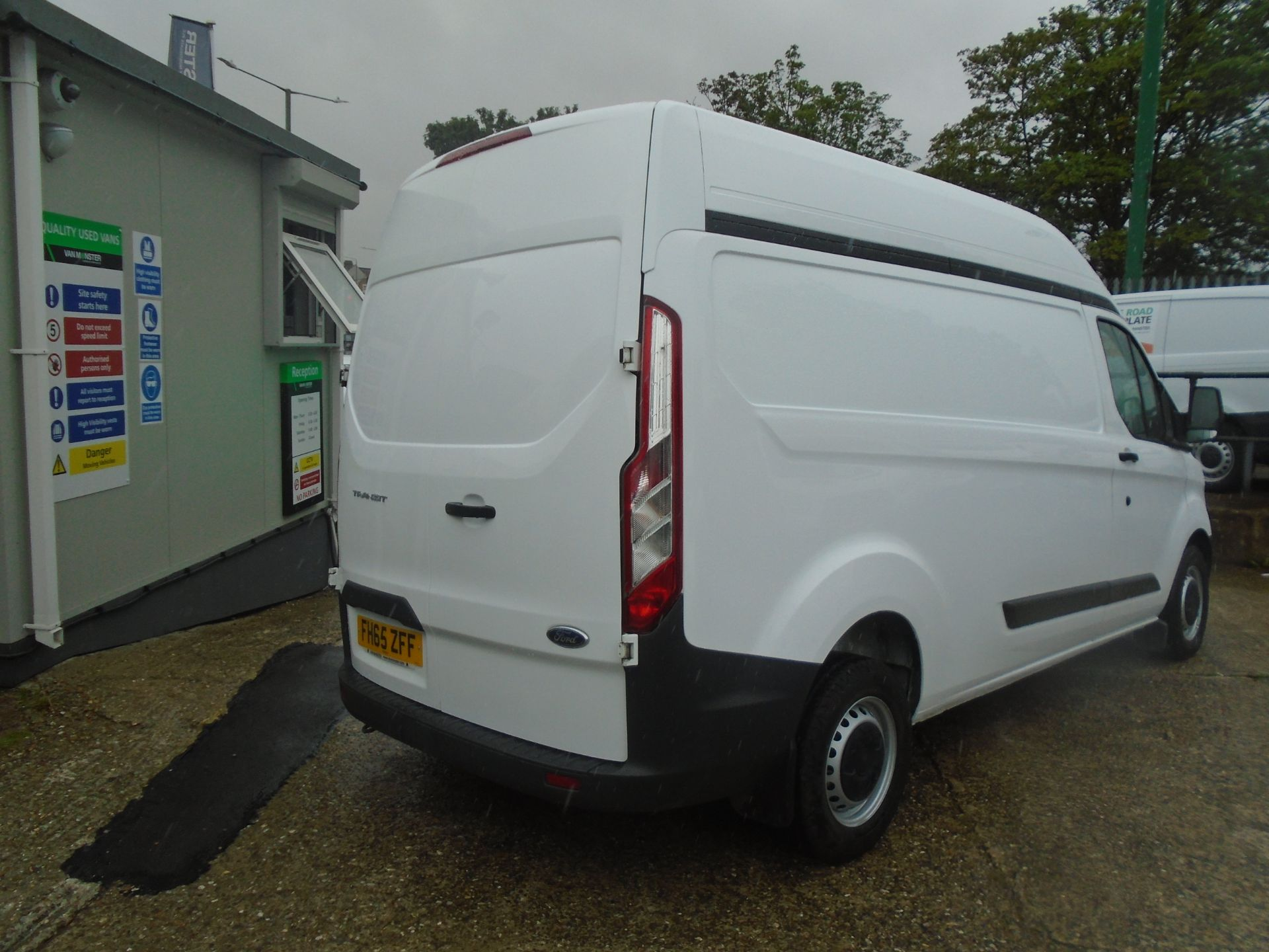 2015 Ford Transit Custom 2.2 Tdci 100Ps High Roof Van (FH65ZFF) Image 9