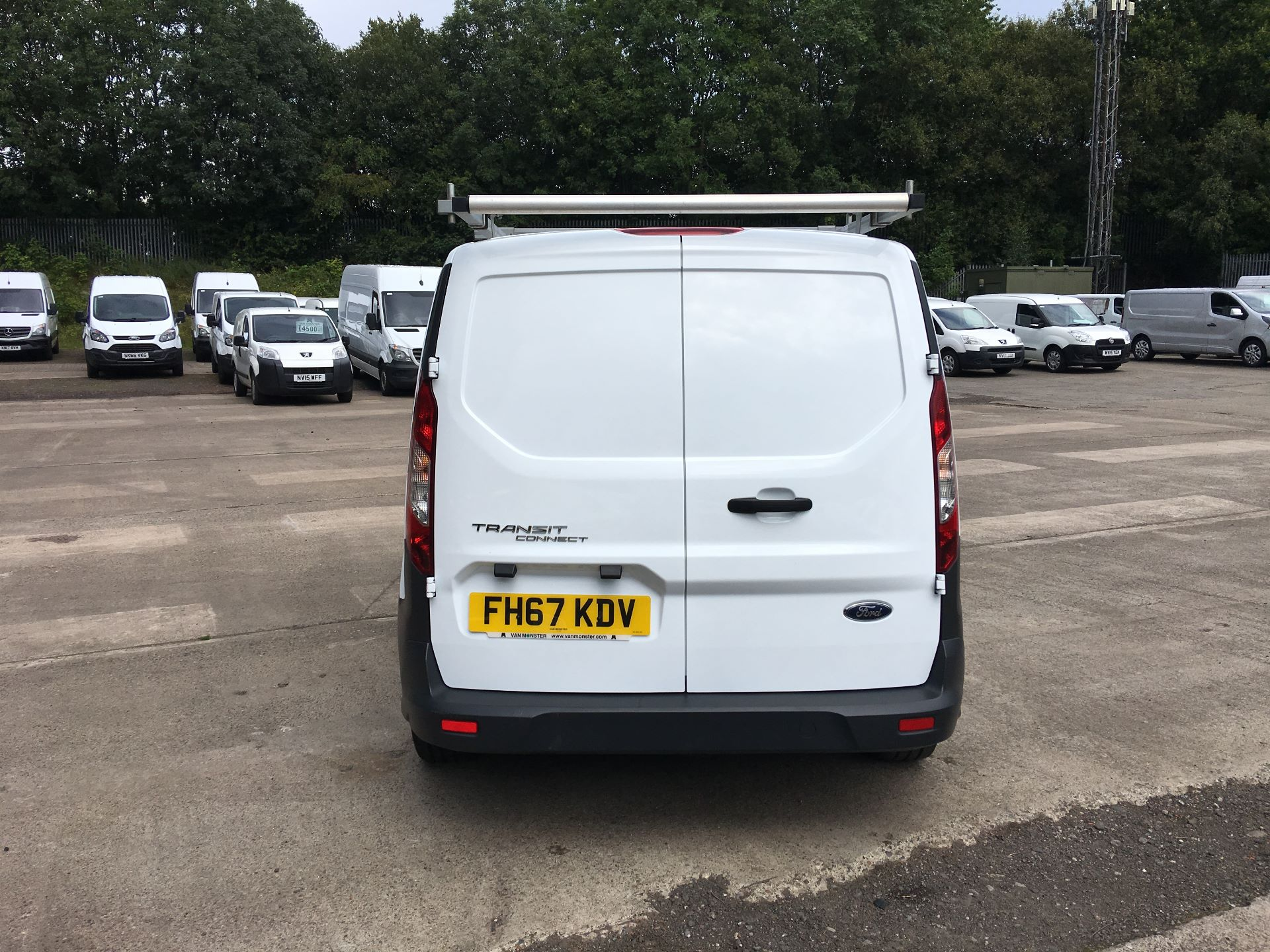 2018 Ford Transit Connect 210 L2 DIESEL FWD 1.5 TDCI 100PS EURO 5 (FH67KDV) Image 10
