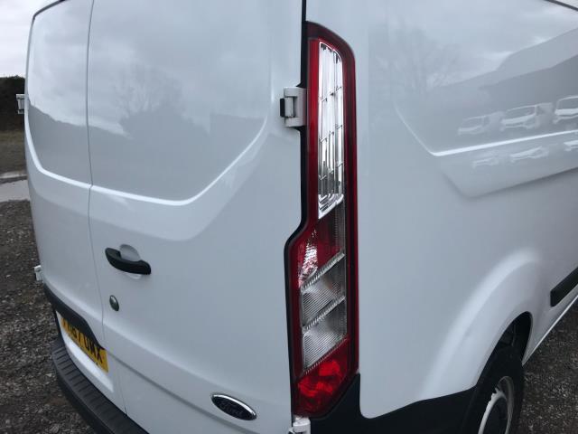 2018 Ford Transit Custom 2.0 Tdci 105Ps Low Roof Van Euro 6 (FH67OMX) Image 17