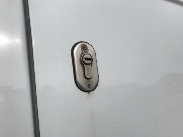 2018 Ford Transit Custom  290 L1 DIESEL FWD 2.0 TDCI 105PS LOW ROOF VAN EURO 6 (FH67WAJ) Image 39