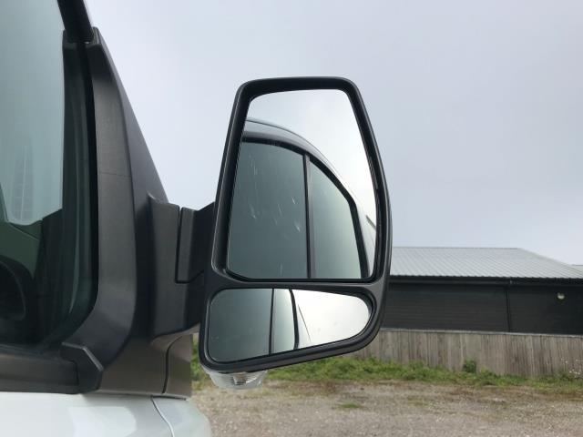 2018 Ford Transit Custom  290 L1 DIESEL FWD 2.0 TDCI 105PS LOW ROOF VAN EURO 6 (FH67WAJ) Image 13