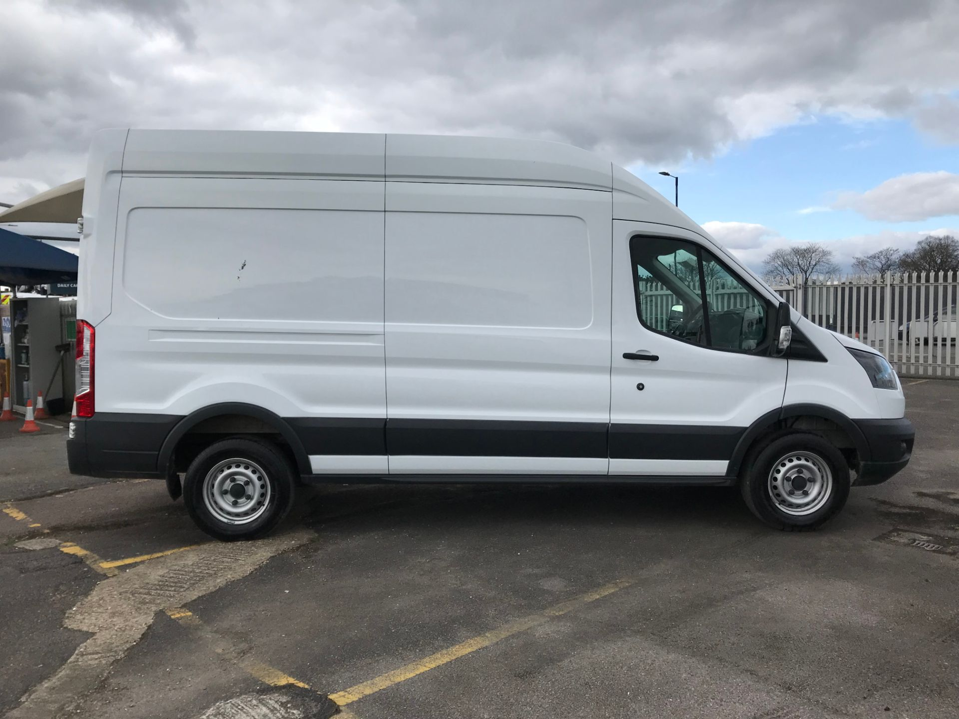 2018 Ford Transit 2.0 Tdci 130Ps H3 Van (FH67WCN) Image 8