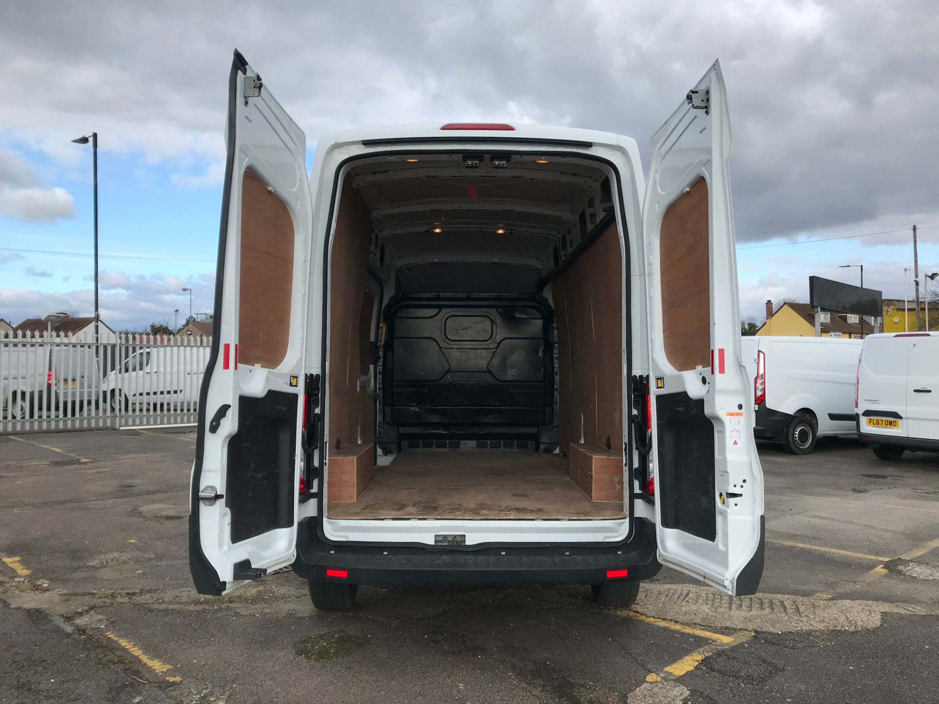 2018 Ford Transit 2.0 Tdci 130Ps H3 Van (FH67WCN) Image 7