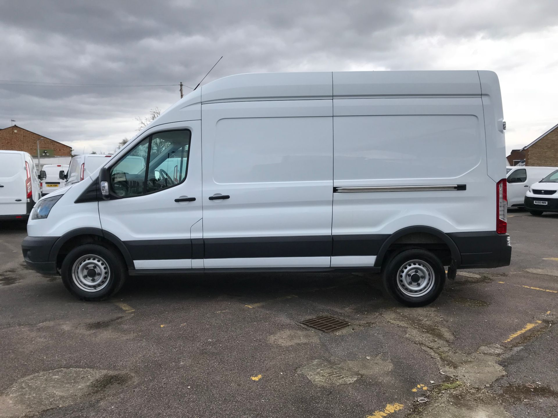 2018 Ford Transit 2.0 Tdci 130Ps H3 Van (FH67WCN) Image 10