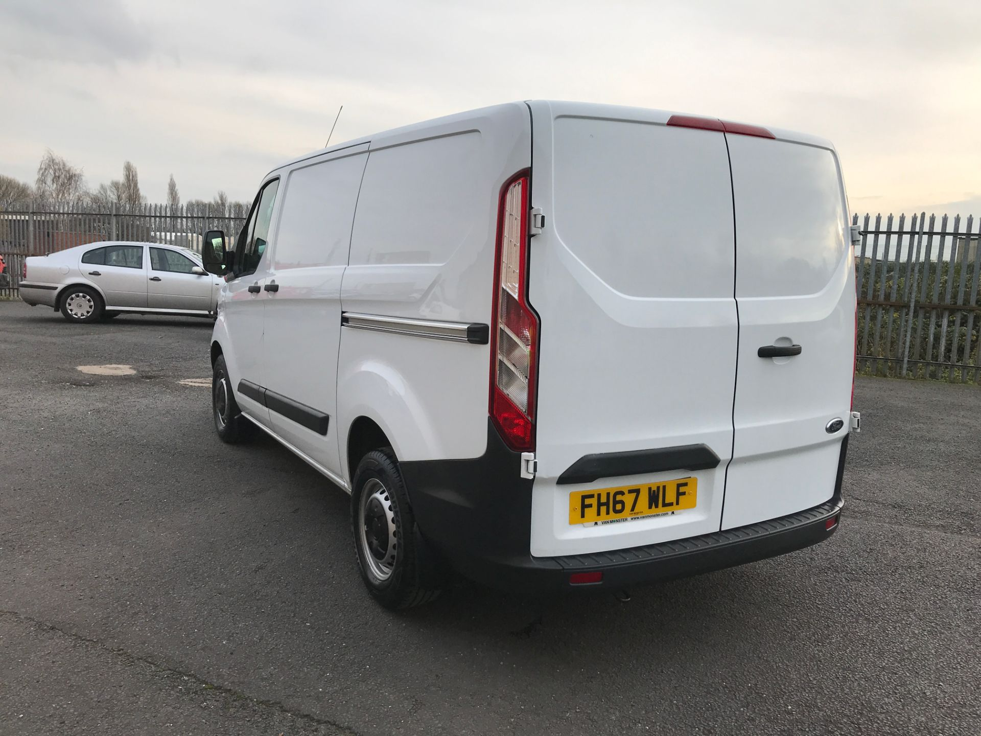 2018 Ford Transit Custom 290 L1 2.0TDCI 105PS LOW ROOF EURO 6 (FH67WLF) Image 10