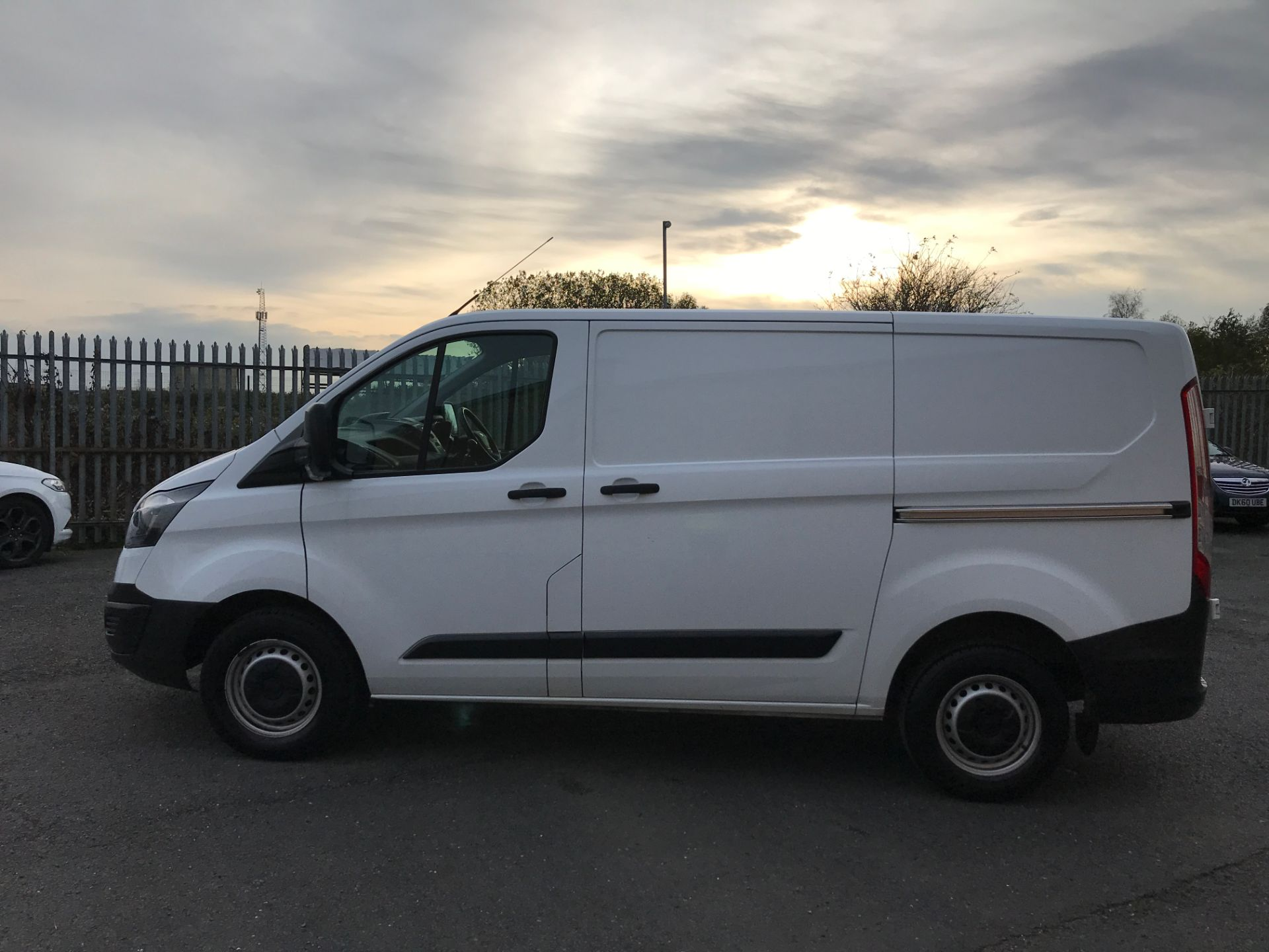 2018 Ford Transit Custom 290 L1 2.0TDCI 105PS LOW ROOF EURO 6 (FH67WLF) Image 11