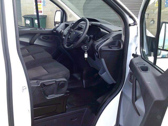 2018 Ford Transit Custom 290 L1 DIESEL FWD 2.0 TDCI 105PS LOW ROOF VAN EURO 6 (FH67WNT) Image 16