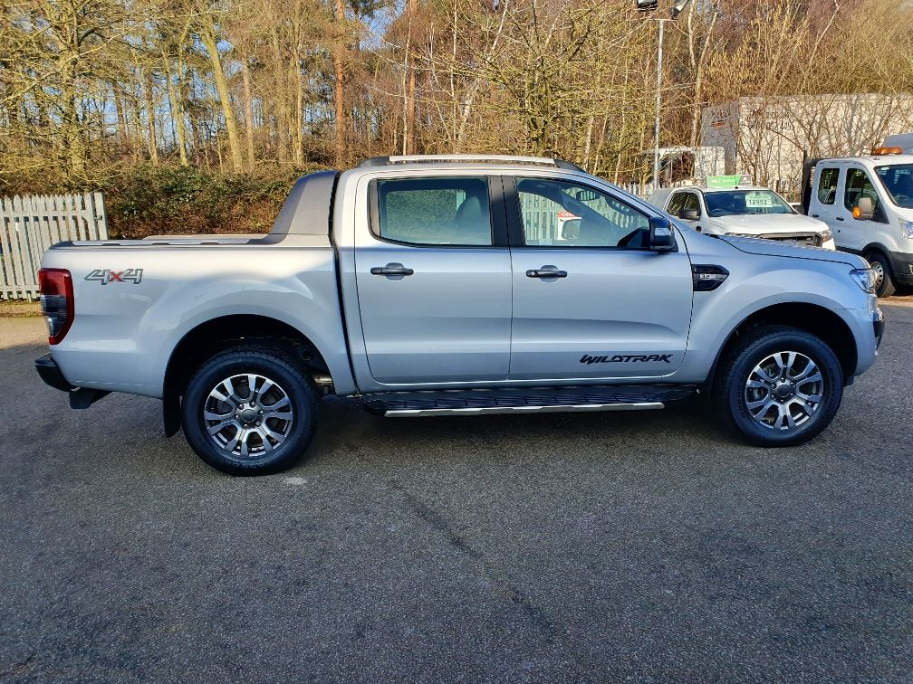2018 Ford Ranger WILDTRAK 3.2 6 SPEED 200PS D/CAB 4*4 EURO 6 (FH67WNX) Image 4