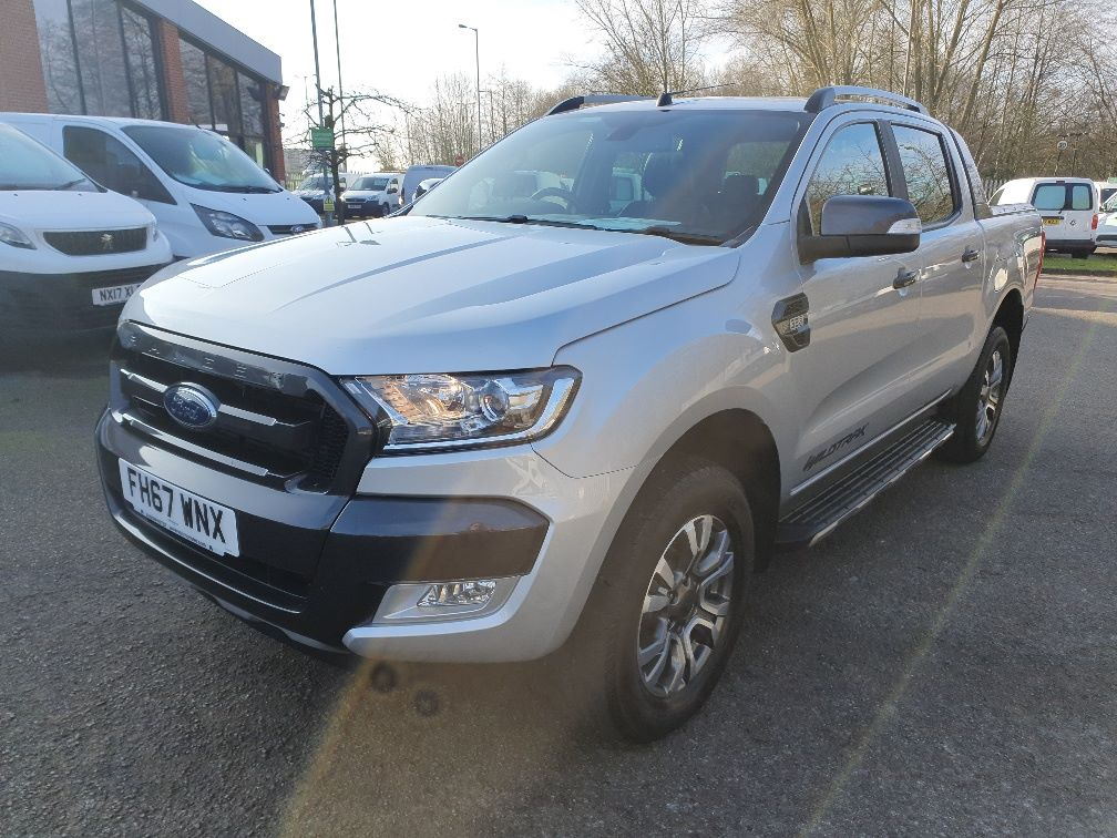 2018 Ford Ranger WILDTRAK 3.2 6 SPEED 200PS D/CAB 4*4 EURO 6 (FH67WNX) Image 3