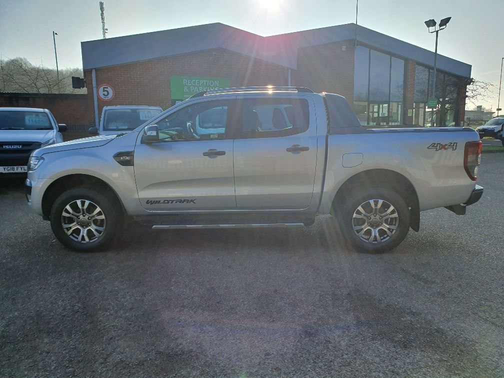 2018 Ford Ranger WILDTRAK 3.2 6 SPEED 200PS D/CAB 4*4 EURO 6 (FH67WNX) Image 15