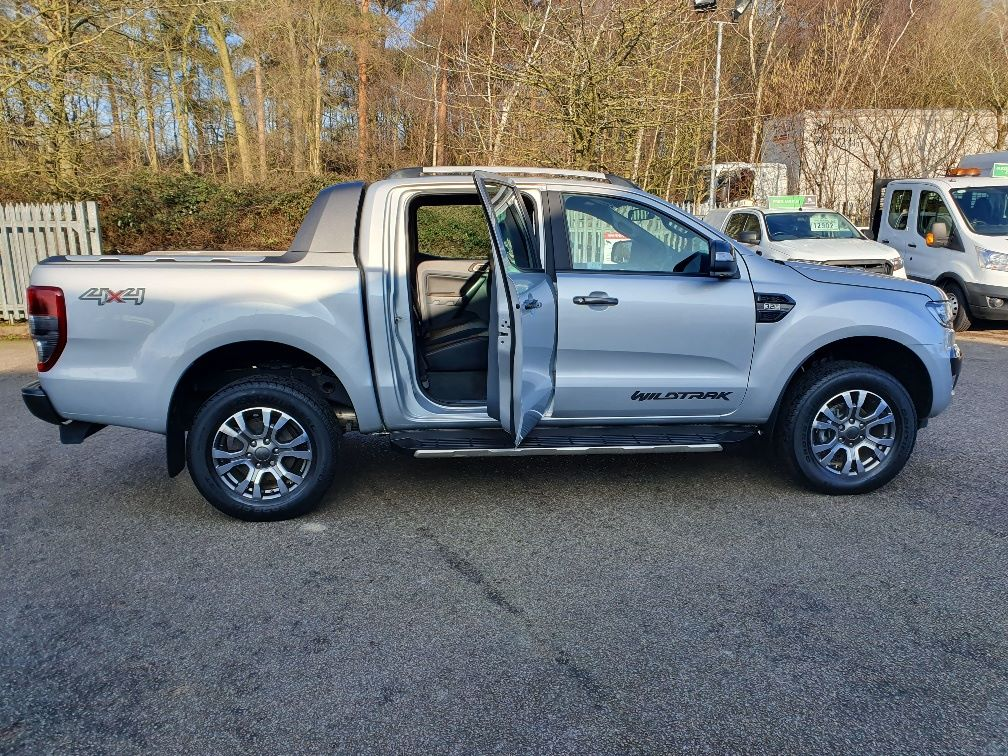 2018 Ford Ranger WILDTRAK 3.2 6 SPEED 200PS D/CAB 4*4 EURO 6 (FH67WNX) Image 10