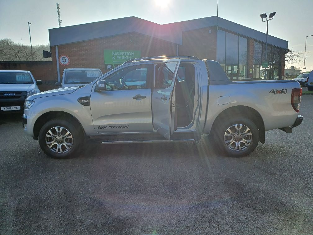 2018 Ford Ranger WILDTRAK 3.2 6 SPEED 200PS D/CAB 4*4 EURO 6 (FH67WNX) Image 16