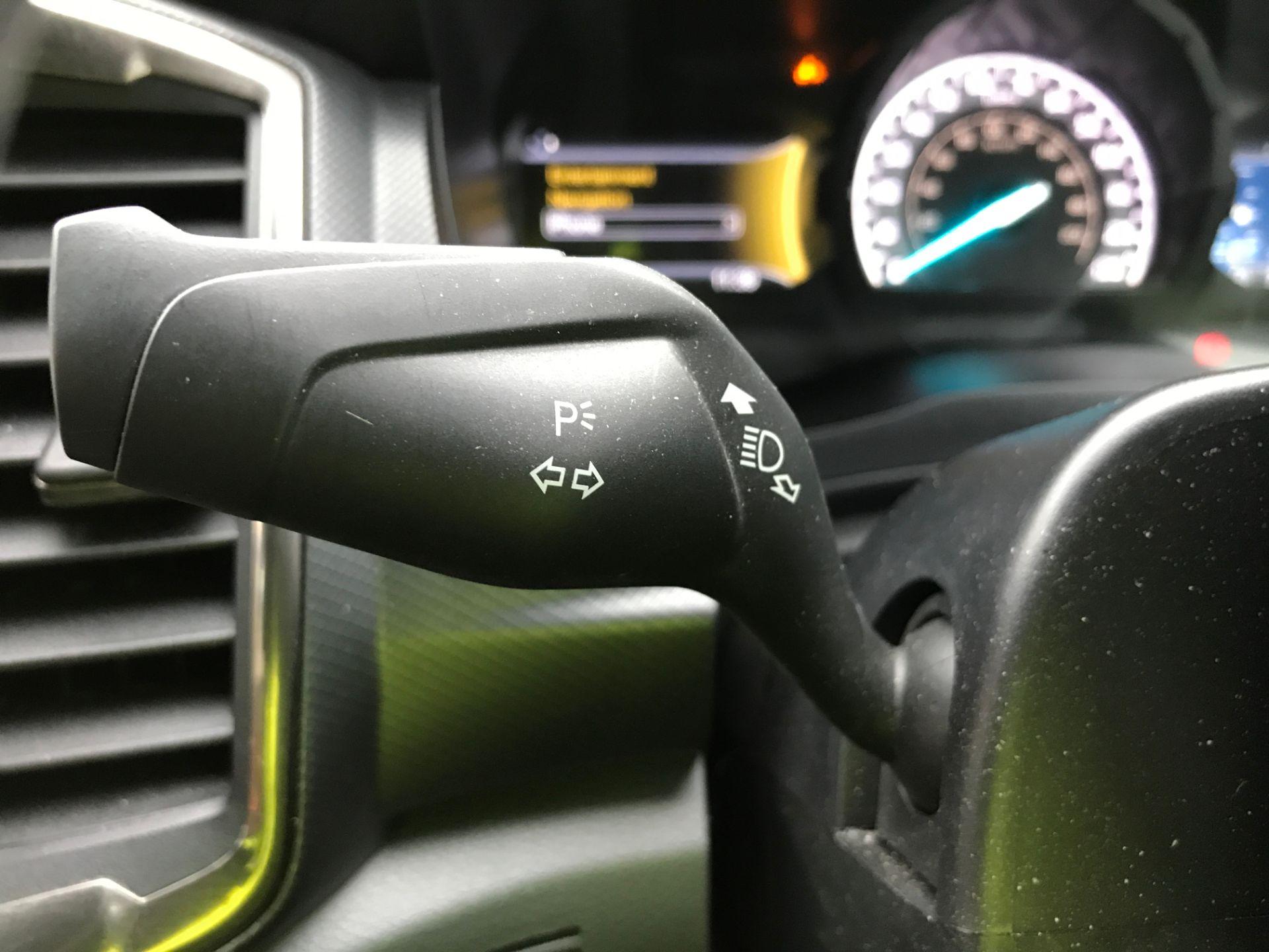 2018 Ford Ranger DOUBLE CAB 4X4 WILDTRAK 3.2TDI 200PS EURO 5 (FH67WTG) Image 28
