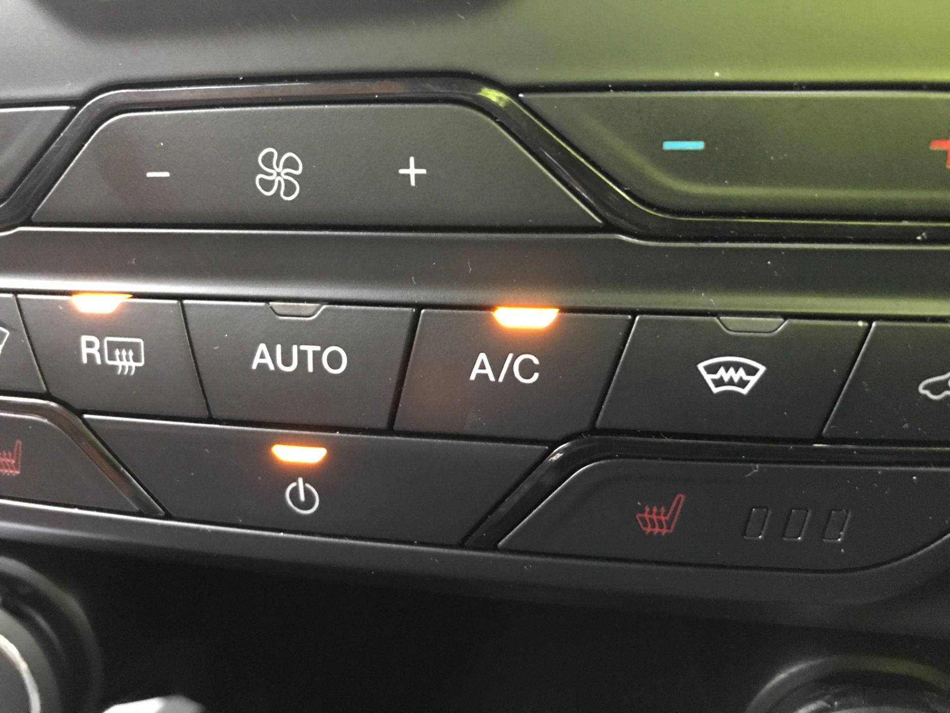 2018 Ford Ranger DOUBLE CAB 4X4 WILDTRAK 3.2TDI 200PS EURO 5 (FH67WTG) Image 24