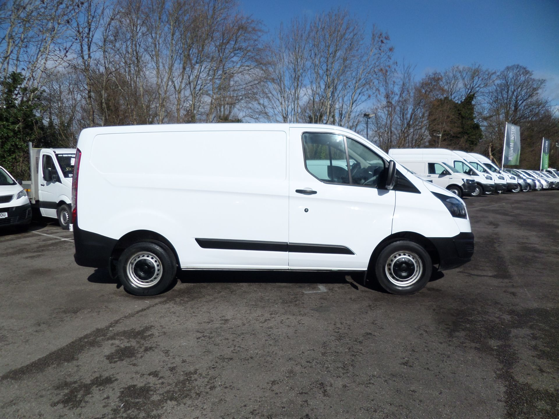 2018 Ford Transit Custom 2.0 Tdci 105Ps Low Roof Van Euro 6 (FH67WXF) Image 2