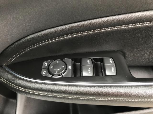 2018 Vauxhall Insignia 1.6 Turbo D Ecotec Sri Nav 5Dr (FJ18XSX) Image 19