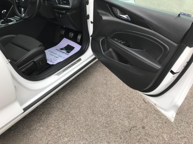 2018 Vauxhall Insignia 1.6 Turbo D Ecotec Sri Nav 5Dr (FJ18XSX) Image 12
