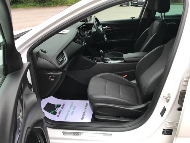 2018 Vauxhall Insignia 1.6 Turbo D Ecotec Sri Nav 5Dr (FJ18XSX) Image 32