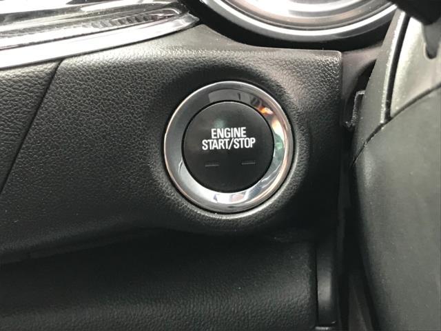 2018 Vauxhall Insignia 1.6 Turbo D Ecotec Sri Nav 5Dr (FJ18XSX) Image 17