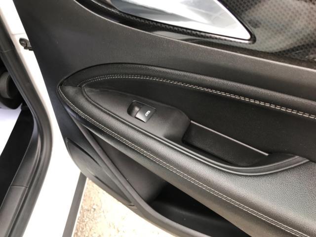 2018 Vauxhall Insignia 1.6 Turbo D Ecotec Sri Nav 5Dr (FJ18XSX) Image 39