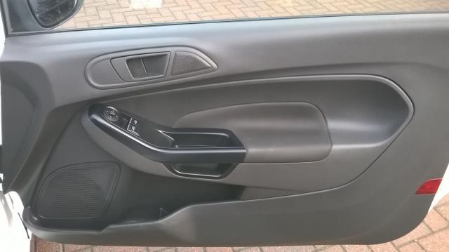 2015 Ford Fiesta 1.5 TDCI EURO 5 (FL15XFF) Image 16
