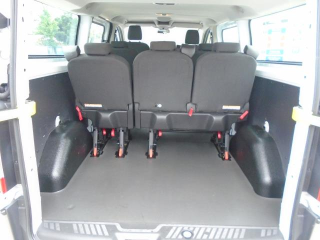 2015 Ford Transit Custom 2.2 Tdci 125Ps Low Roof Kombi Van 8 Seater With Air-Con Heated Seats (FL15XFM) Image 11