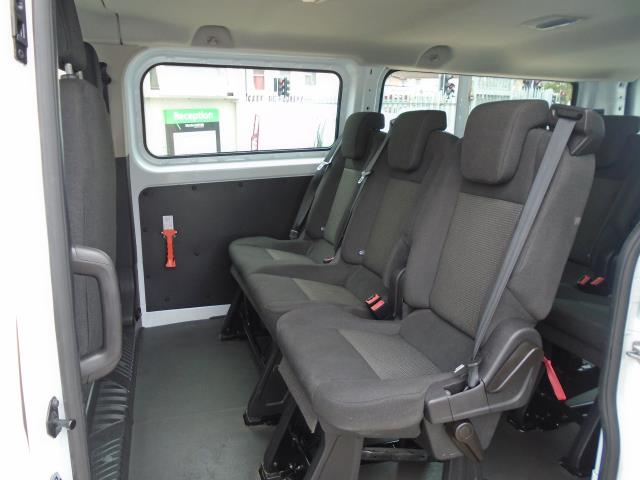 2015 Ford Transit Custom 2.2 Tdci 125Ps Low Roof Kombi Van 8 Seater With Air-Con Heated Seats (FL15XFM) Image 12
