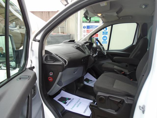 2015 Ford Transit Custom 2.2 Tdci 125Ps Low Roof Kombi Van 8 Seater With Air-Con Heated Seats (FL15XFM) Image 14