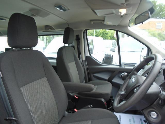 2015 Ford Transit Custom 2.2 Tdci 125Ps Low Roof Kombi Van 8 Seater With Air-Con Heated Seats (FL15XFM) Image 17