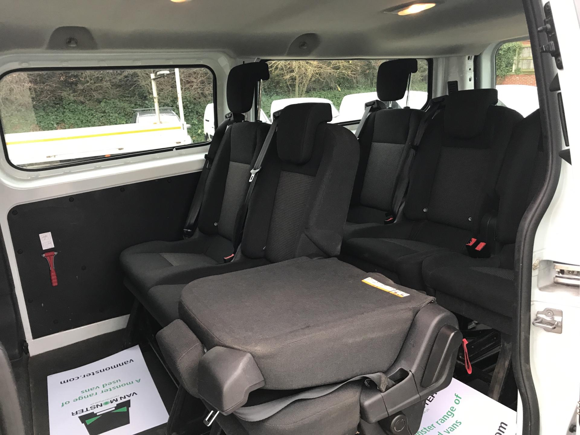 2015 Ford Transit Custom 2.2 Tdci 125Ps Low Roof Kombi Van euro 5 - VALUE RANGE - CONDITION REFLECTED IN PRICE  (FL15XJE) Image 19