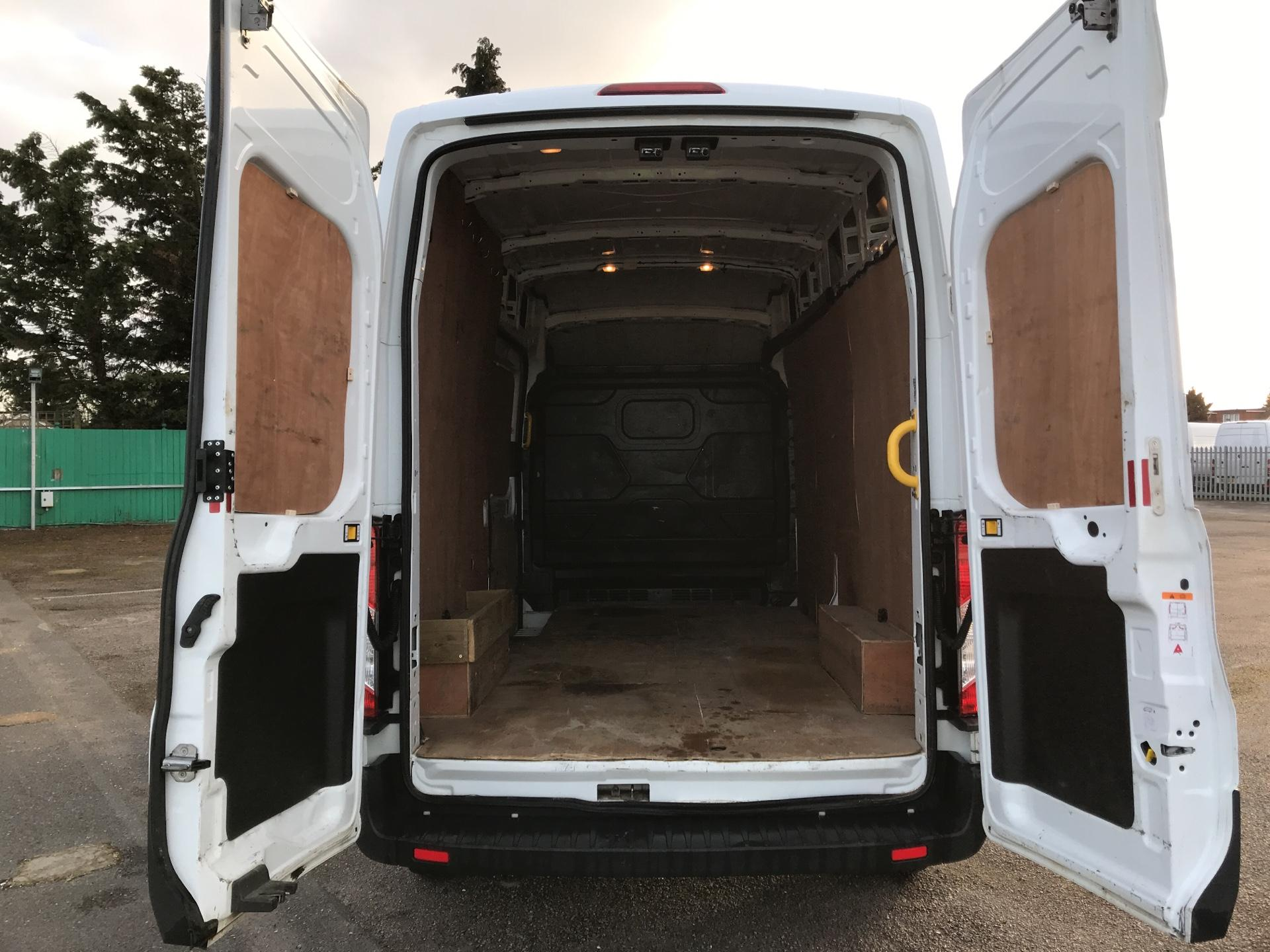 2015 Ford Transit   T350 L3 H3 Van 125PS Euro 5 *VALUE RANGE VEHICLE CONDITION REFLECTED IN PRICE* (FL15XJY) Image 21