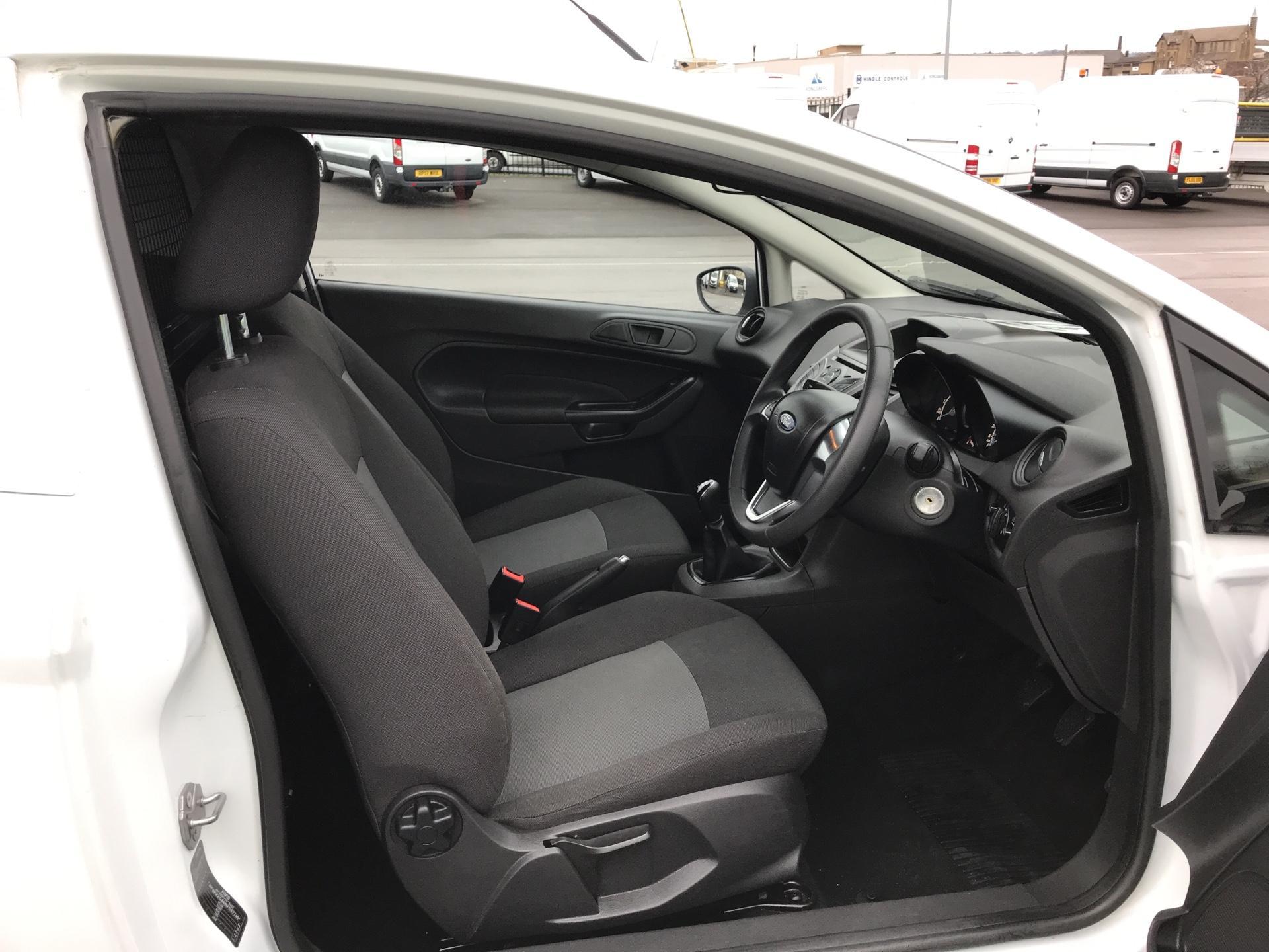 2015 Ford Fiesta  DIESEL 1.5 TDCI VAN EURO 5 AIR CON (FL15XNJ) Image 9
