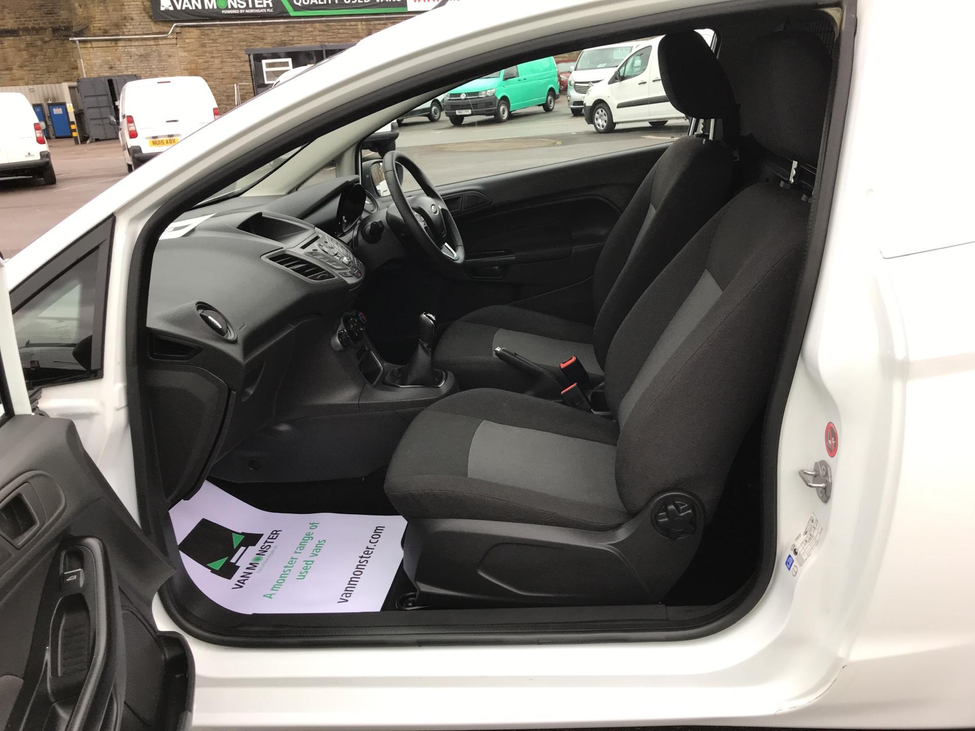 2015 Ford Fiesta  DIESEL 1.5 TDCI VAN EURO 5 AIR CON (FL15XNJ) Image 14