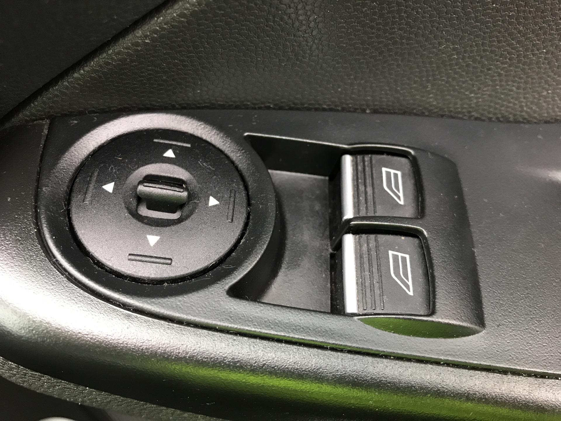 2015 Ford Fiesta  DIESEL 1.5 TDCI VAN EURO 5 AIR CON (FL15XNJ) Image 15