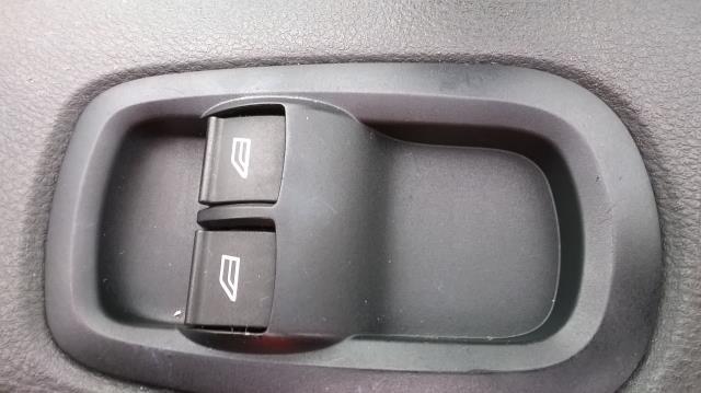 2015 Ford Transit Custom 290 L1 DIESEL FWD 2.2  TDCI 100PS LOW ROOF VAN EURO 5 (FL15XOM) Image 19