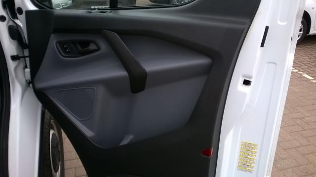 2015 Ford Transit Custom 290 L1 DIESEL FWD 2.2  TDCI 100PS LOW ROOF VAN EURO 5 (FL15XOM) Image 15